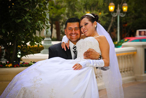 Wedding dress tux rental in las vegas special for Wedding dresses for rent las vegas